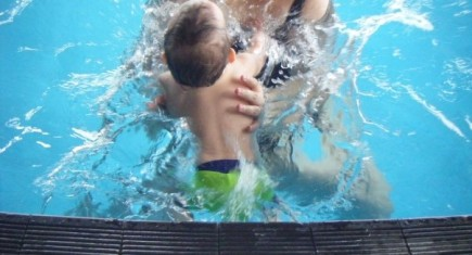 Tamsin-Brewis-baby-swimming-lessons-water-babies1